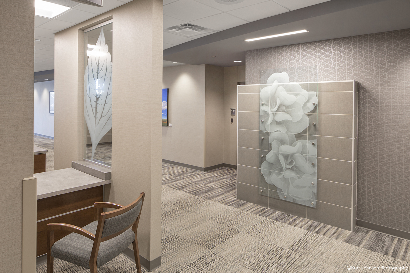 Install-film-glass-art-Shenandoah Medical Center-Shenandoah IA