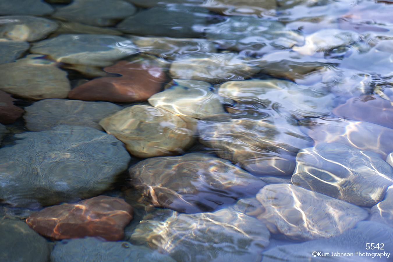 texture water blue rocks waterscape