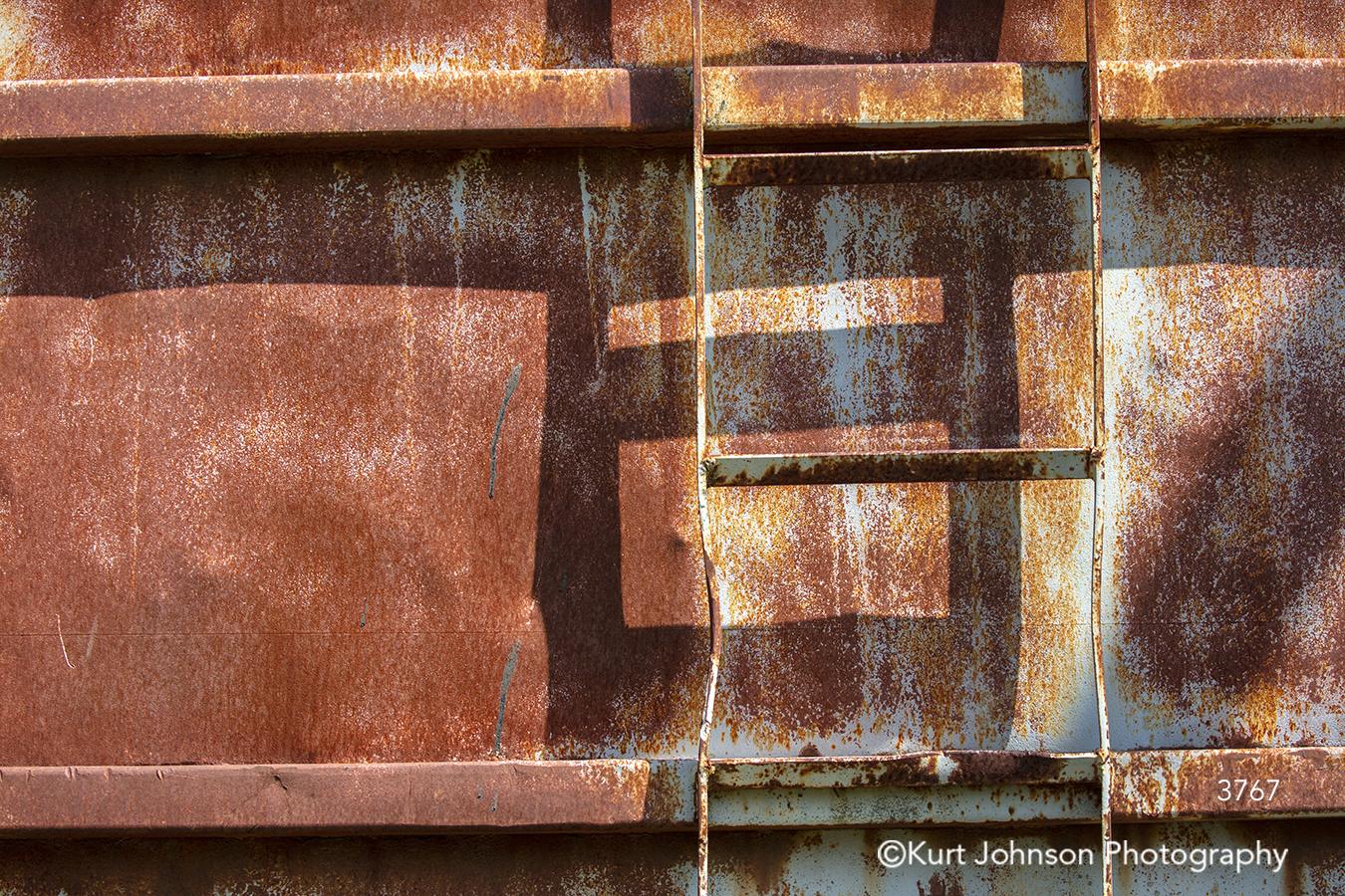 red orange brown rust texture pattern shadows lines