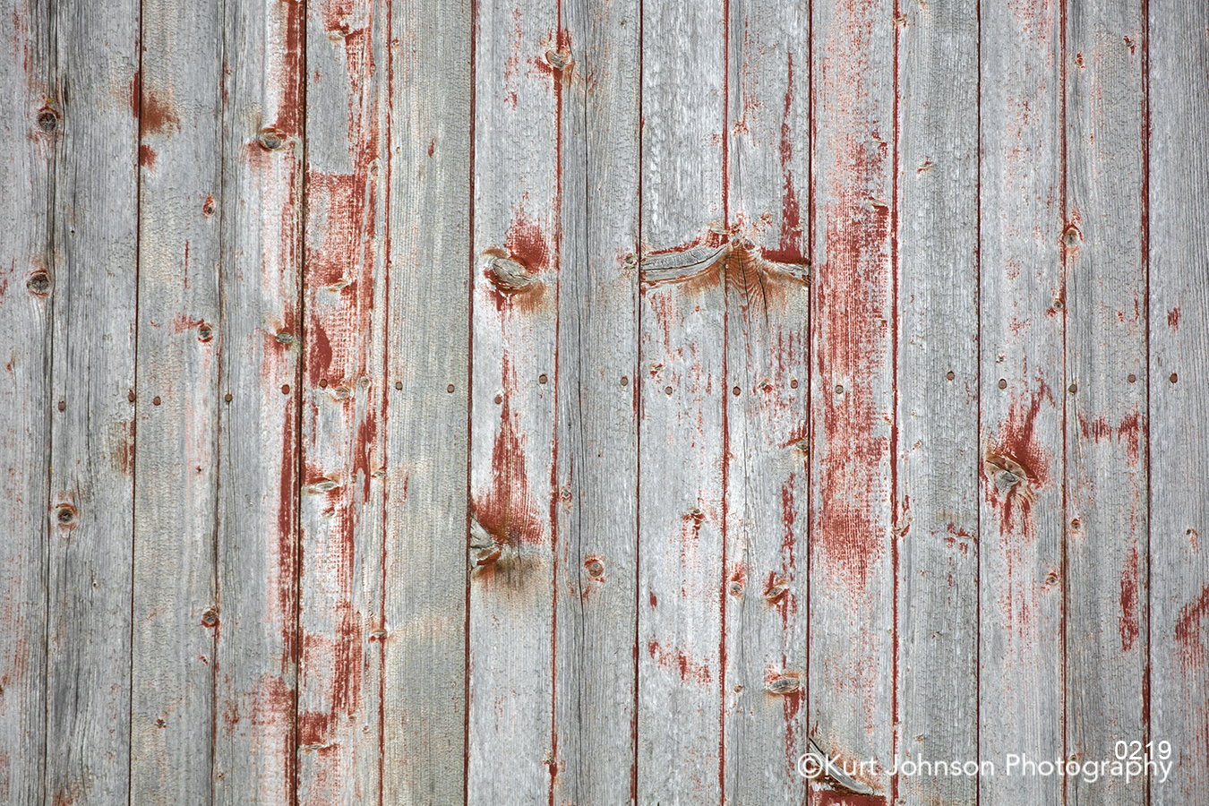 red gray rust rustic wood barn door fence texture lines pattern