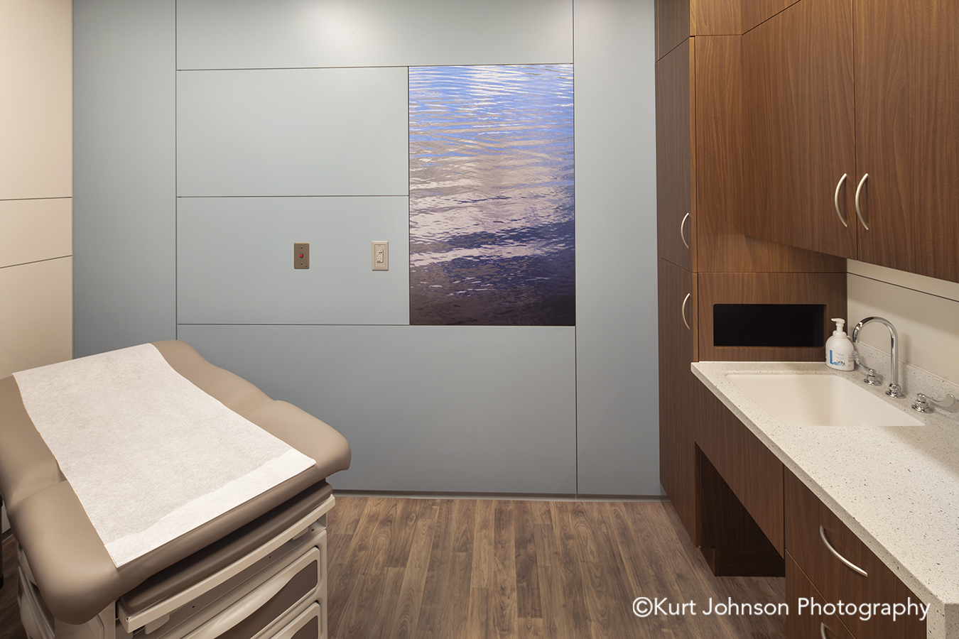 blue water waterscape texture methodist physicians clinic elkhorn nebraska best care patient room DIRTT environmental solutions wall art install installation AOI